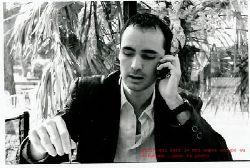 Ayhnik au téléphone !